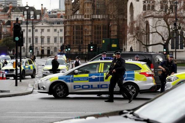 英国警方加强戒备。 (图/载自路透)