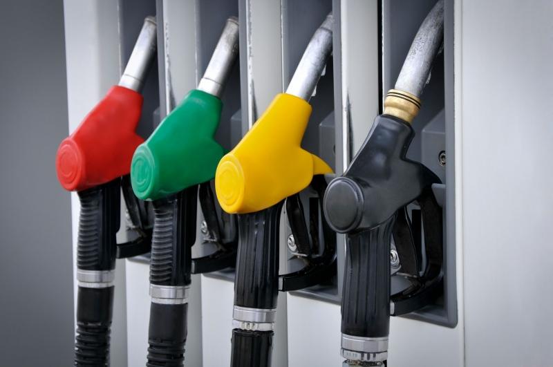 国内贸易、合作社及消费部将从3月29日开始,每周三公布汽油顶价;因此,第一次的每周汽油顶价将于3月30日(周四)开始生效。(图/载自星洲网)