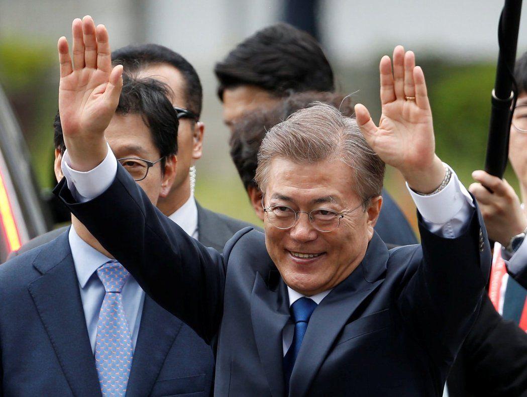 南韩新总统文在寅在核电厂除役典礼上发表谈话,宣誓要让南韩走向非核家园。 (路透)