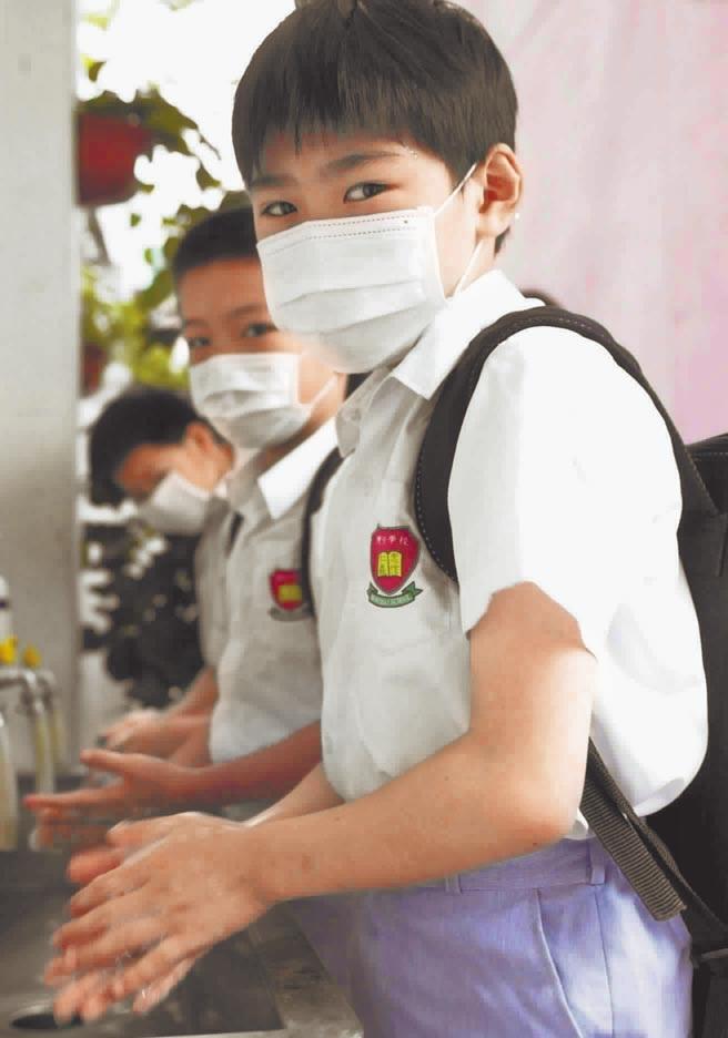 避免传染流感须彻底洗手。(图 / 取自新华社)
