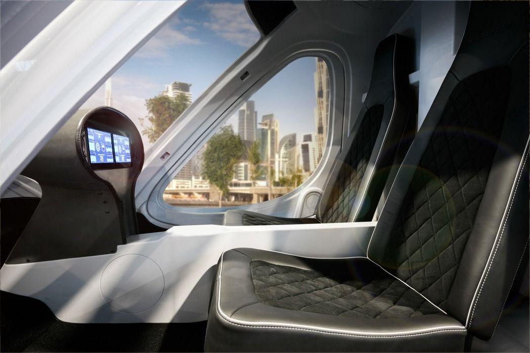 该款「计程机」采无人驾驶设计,乘客只要在智慧面板上输入欲抵达的目的地,飞天计程车就能透过在地面的指挥中心指挥,飞往乘客想去的地点。(图/取自官網)